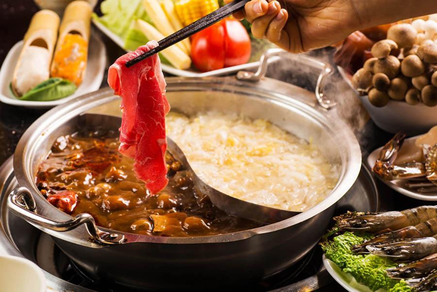 一人旅でも鴛鴦(おしどり)火鍋が食べたい!おひとりさま歓迎の「紅九九 個人麻辣火鍋」に行ってきた