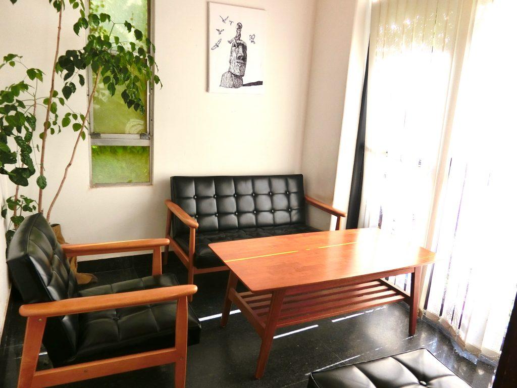 台南のカフェに併設、アンティークな雰囲気のリノベ民宿「Café IsShoNi 一緒二咖啡民居」(台南市内)