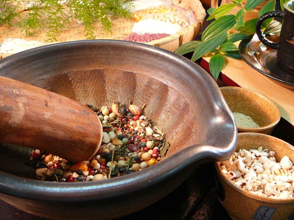 新竹・北埔で「客家擂茶(はっかれいちゃ)」に挑戦!美容と健康に嬉しい食べるお茶