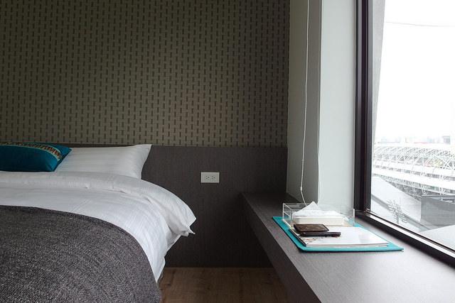 ビルの最上階の部屋から見下ろす台北の街、贅沢な眺望が人気のアンティークなホテル「mei.stay 美寓」(台北・小巨蛋)
