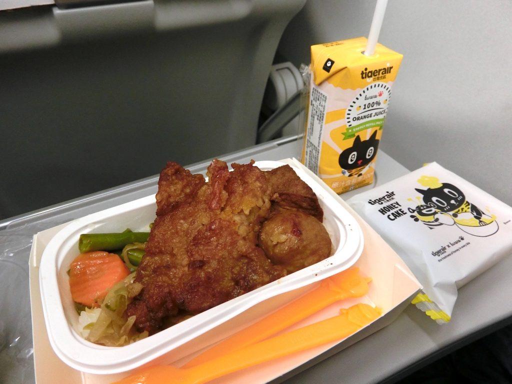 タイガーエア台湾の機内食《排骨飯》