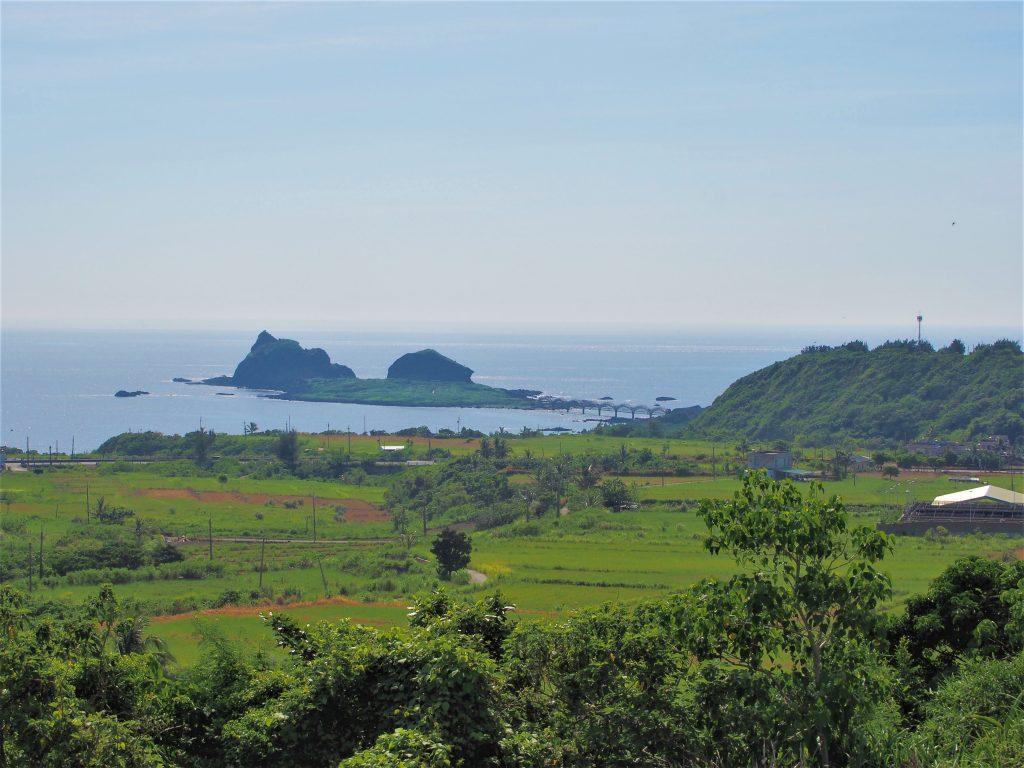 美しい高台から雄大な東海岸を臨む、こだわり溢れる民宿「三野高台」(台東・成功)