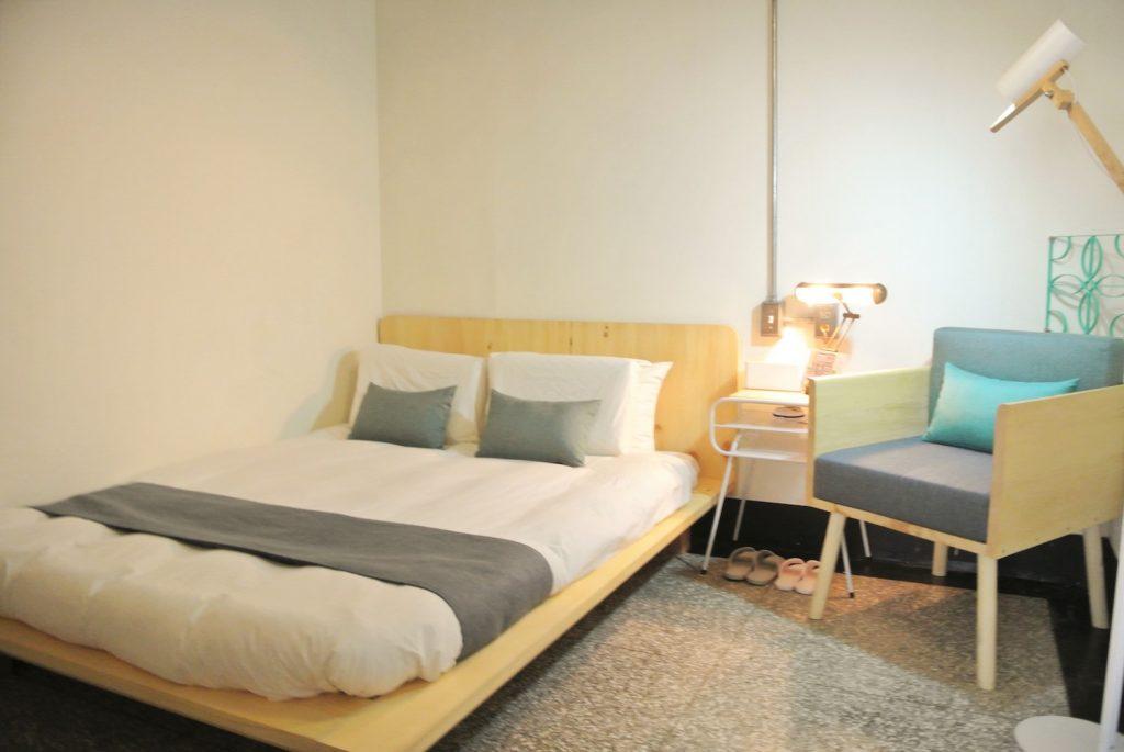 「同・居 With Inn Hostel」ゆっくりできる大きな2人部屋
