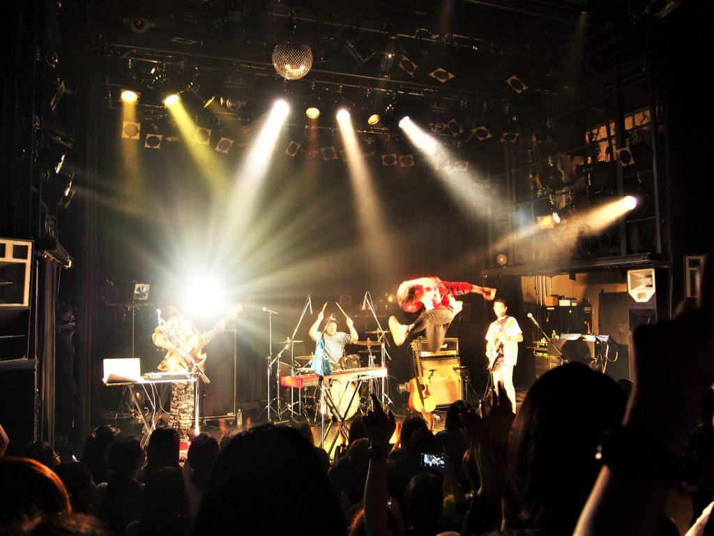 """台湾の3ピースバンド""""宇宙人""""が日本にやってきた!「OUR ADVENTURE TOUR in JAPAN」ライブレポート"""