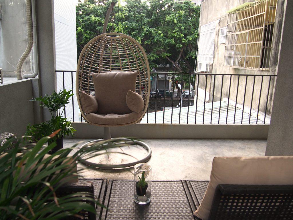 きっとまた泊まりたくなる、寛ぎの空間。こだわりのカフェ併設のデザイナーズ民宿「李何 LH Coffee House」(台中市内)