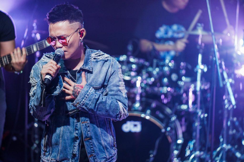 """台湾音楽界の期待の星が帰ってきた!ティンティンこと """"蕭秉治(シャオ・ビンチー)"""" の魅力を徹底解説"""